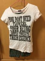 英語ロゴTシャツ.jpeg
